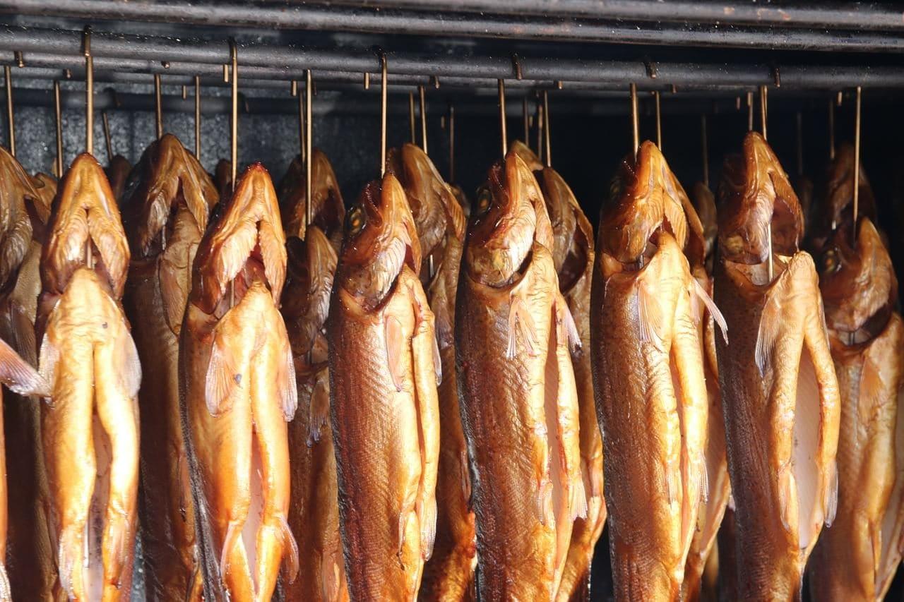 копченую рыбу надо бережно хранить