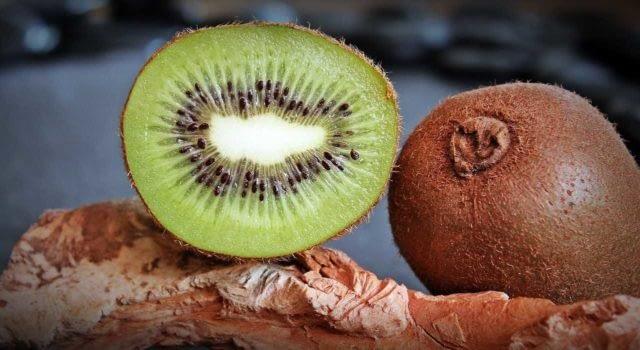 киви вкусный и полезный фрукт