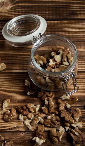 очищенные грецкие орехи должны хранится в чистой таре