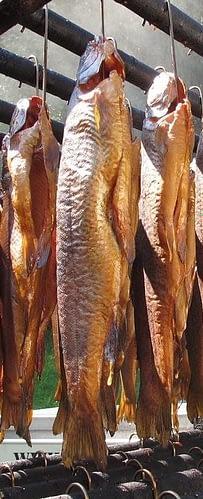 копченую рыбу горячего копчения хранят меньше